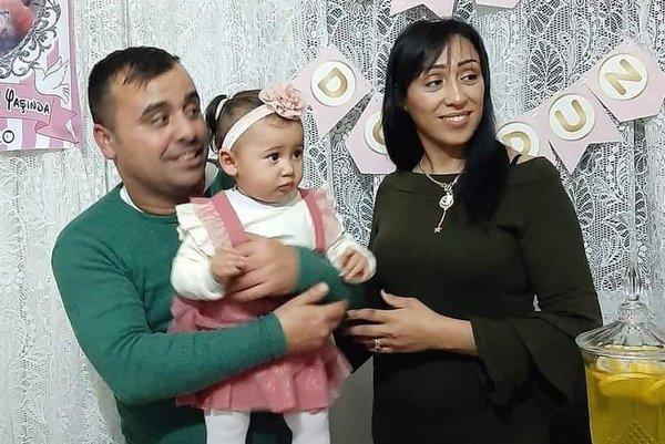 3 çocuk annesi kadın yoldan geçen kamyondan lastik fırlaması sonucu hayatını kaybetti