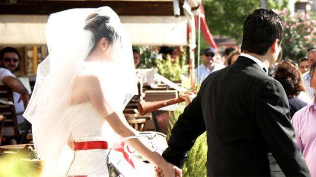 Adana'da düğünde 111 bin 300 TL maske ve mesafe cezası