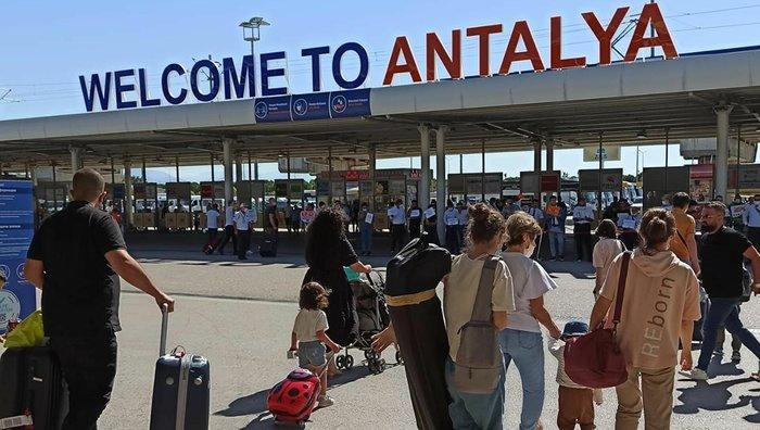 Alman ve Rus turistler sonbaharı Türkiye'de geçirecek