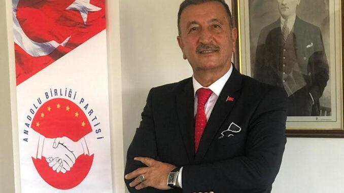 Anadolu Birliği Partisi Genel Başkanı Bedri YALÇIN'ın Akdeniz Üniversitesi'ndeki olaylar üzerine basın açıklaması