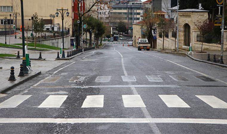 Antalya'da sokağa çıkma kısıtlamasını ihlal eden 341 kişiye 1 milyon 5 bin 73 lira ceza verildi.