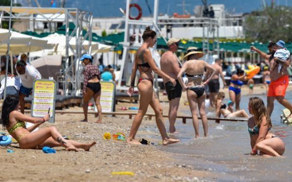 Antalya'ya bir haftada gelen Rus turist sayısı 110 bini aştı.