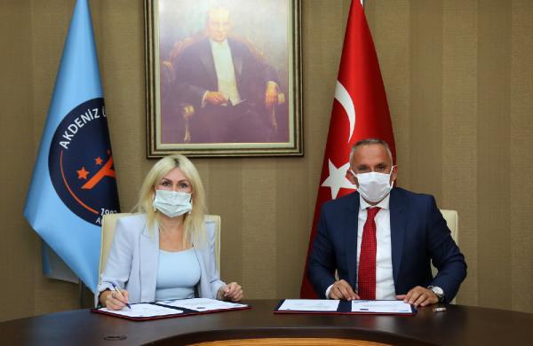 AÜ ile Gençlik ve Spor arasında protokol imzalandı
