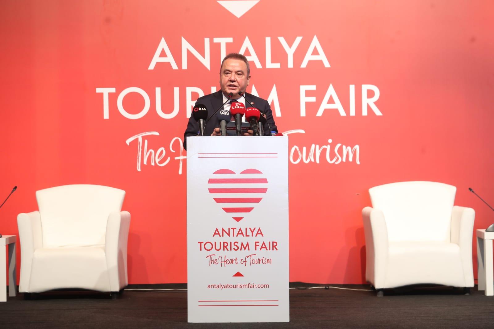 Başkan Böcek Turizm Fuarı'nda