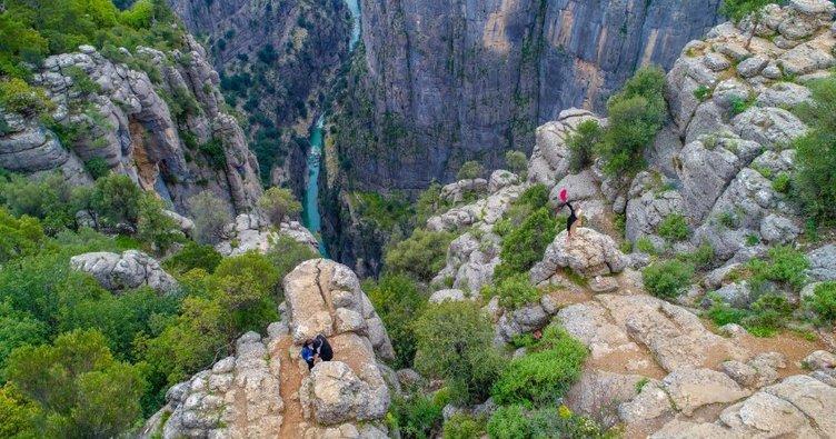 Doğa harikası kanyonlar turist bekliyor