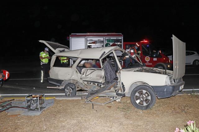 Fethiye'de iki otomobilin çarpışması sonucu 3 ölü  5 yaralı