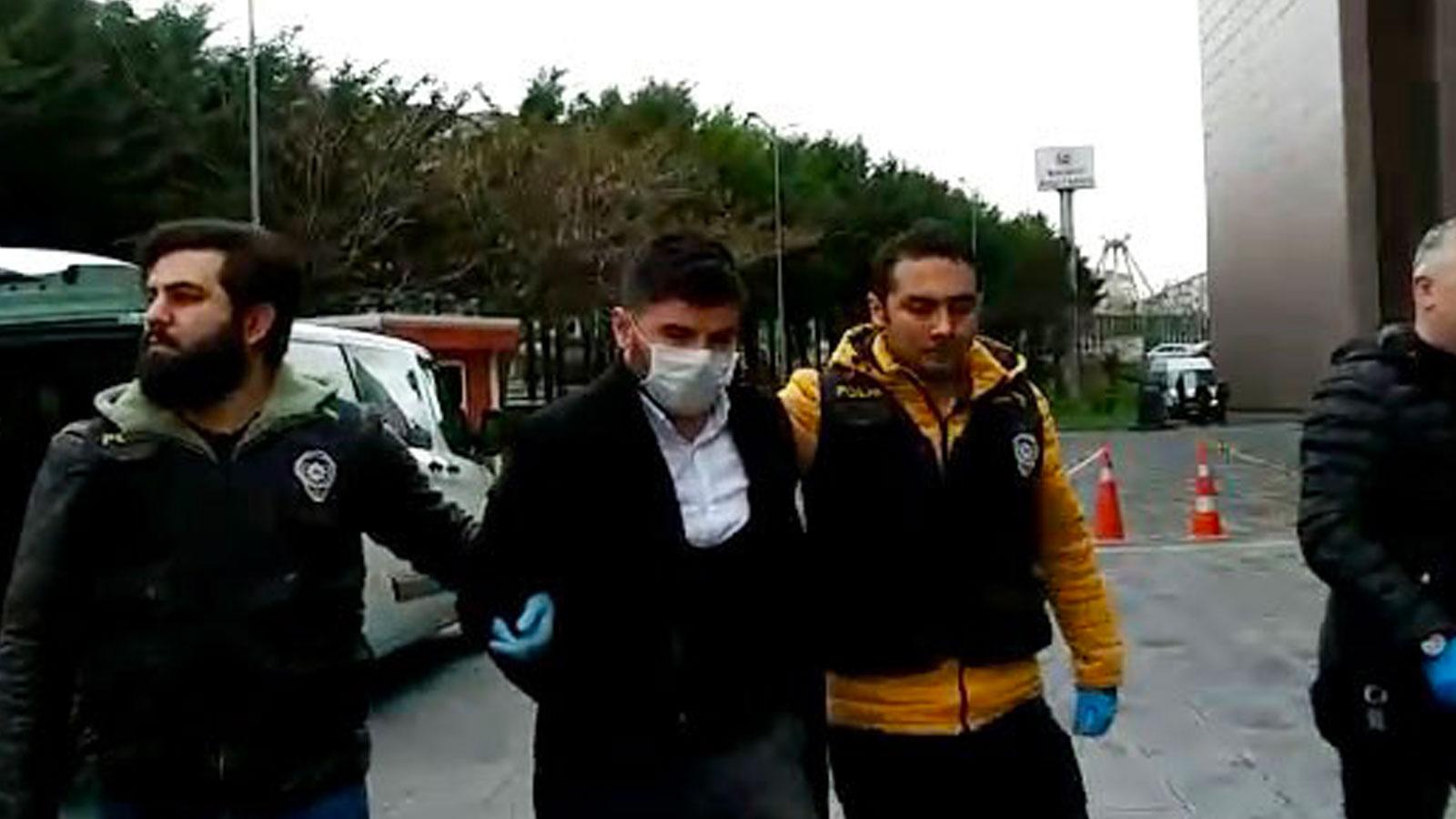 İstanbul'da yaşlı adama zorla maske takarak kolonya döken zanlı: Şaka yapıyorduk