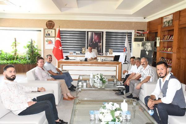 İYİ PARTİ Antalya Milletvekili Feridun Bahşi Kemer Belediye Başkanı Necati Topaloğlu'nu ziyaret etti