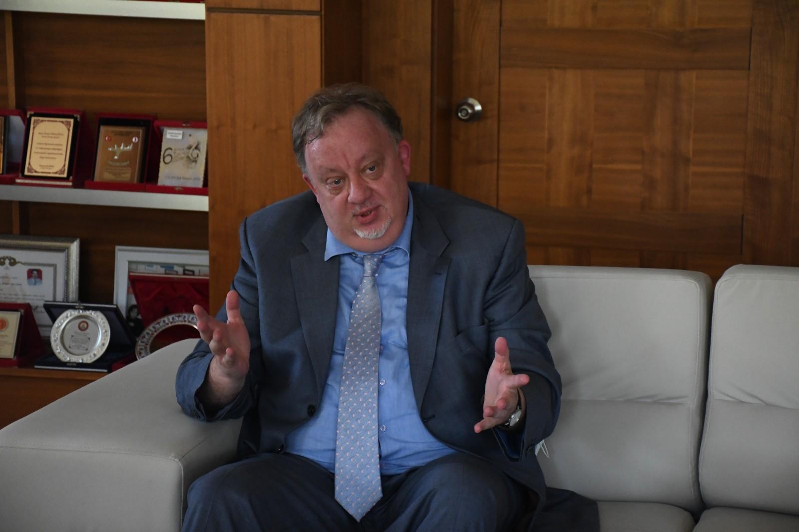 Kemer Belediye Başkanı Necati Topaloğlu ile bir araya gelen Rusya Antalya Konsolosu Oleg Rogoza açıklamalarda bulundu