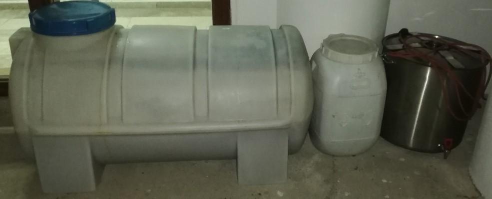Kemer ilçesinde uyuşturucu madde ticareti ve kaçak alkol üretimi yapan şahıslar yakalandı