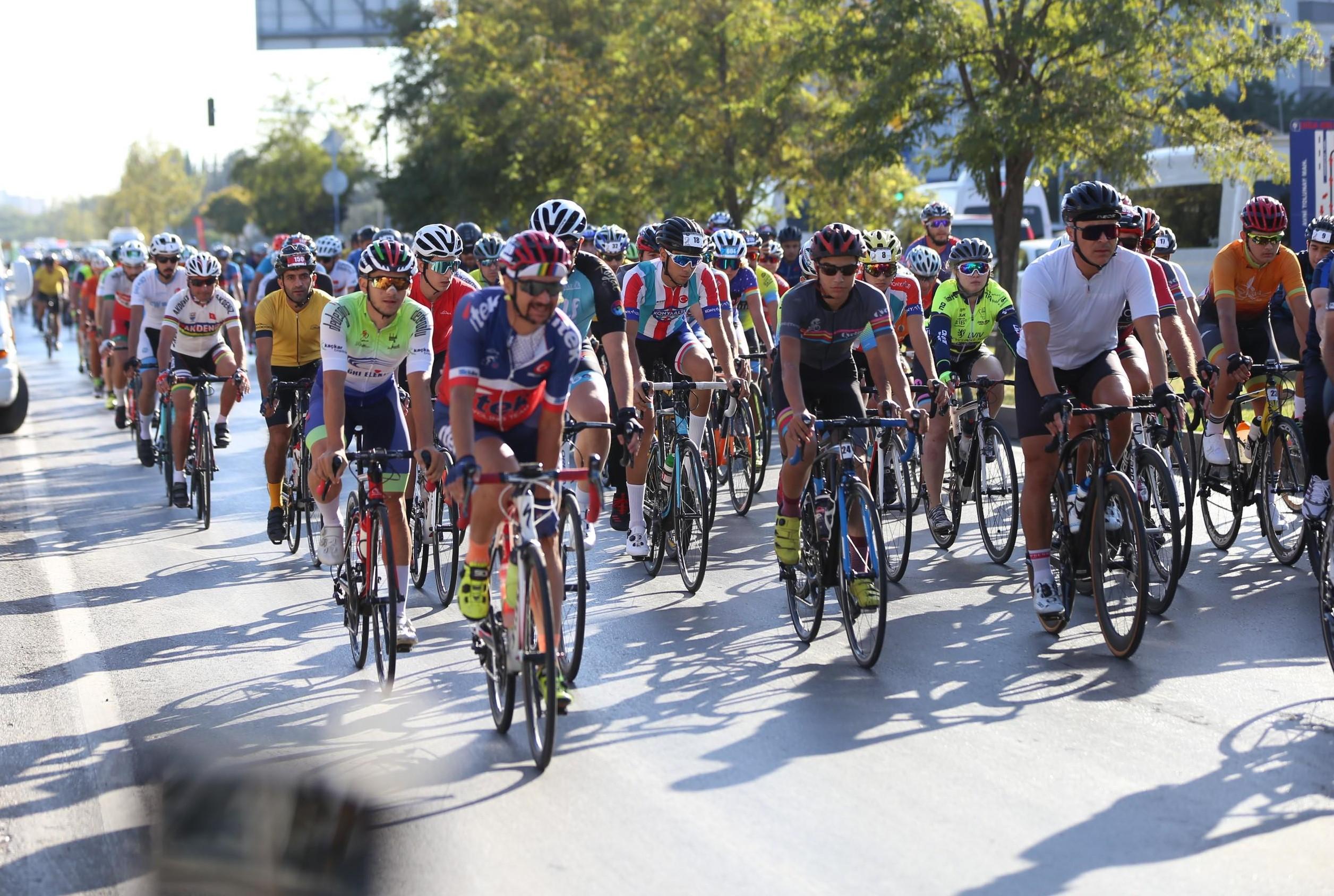 Kepez'den Toroslara uzanan pedal yarışı