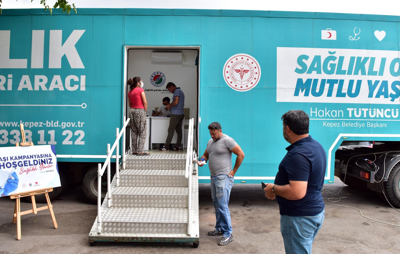 Kepez'in sağlık ordusu 9 bin Covit19 aşısı yaptı