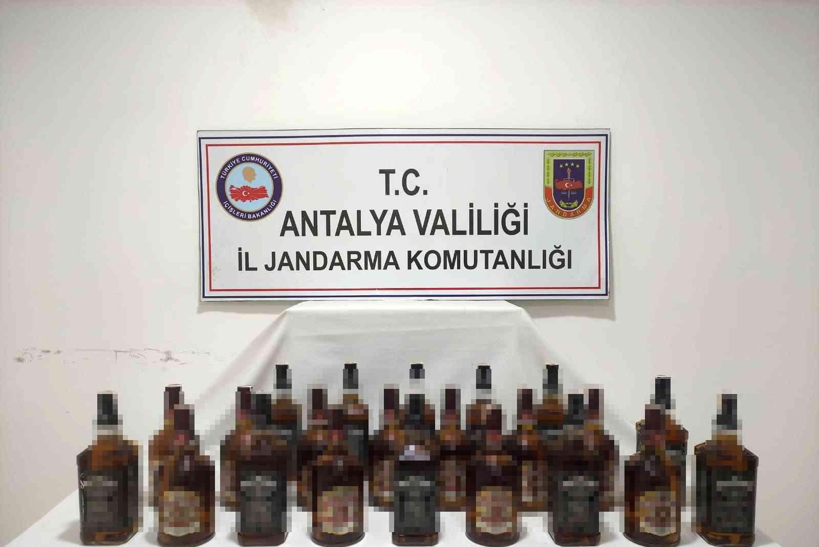 Manavgat'ta 22 litre kaçak-sahte içki ele geçirildi