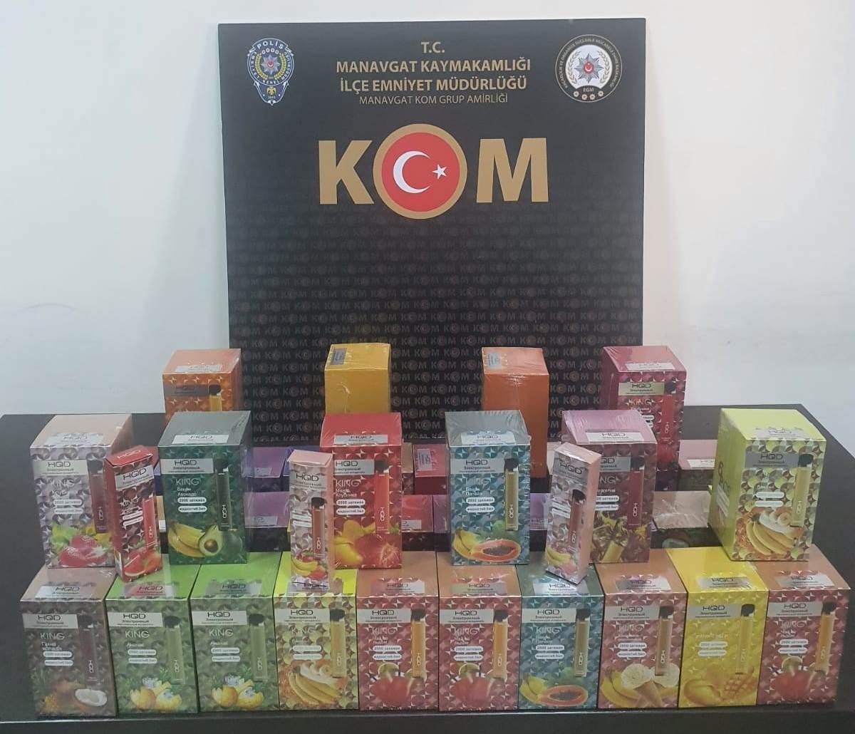 Manavgat'ta araç içerisinde 237 adet gümrük kaçağı elektronik sigara ele geçirildi