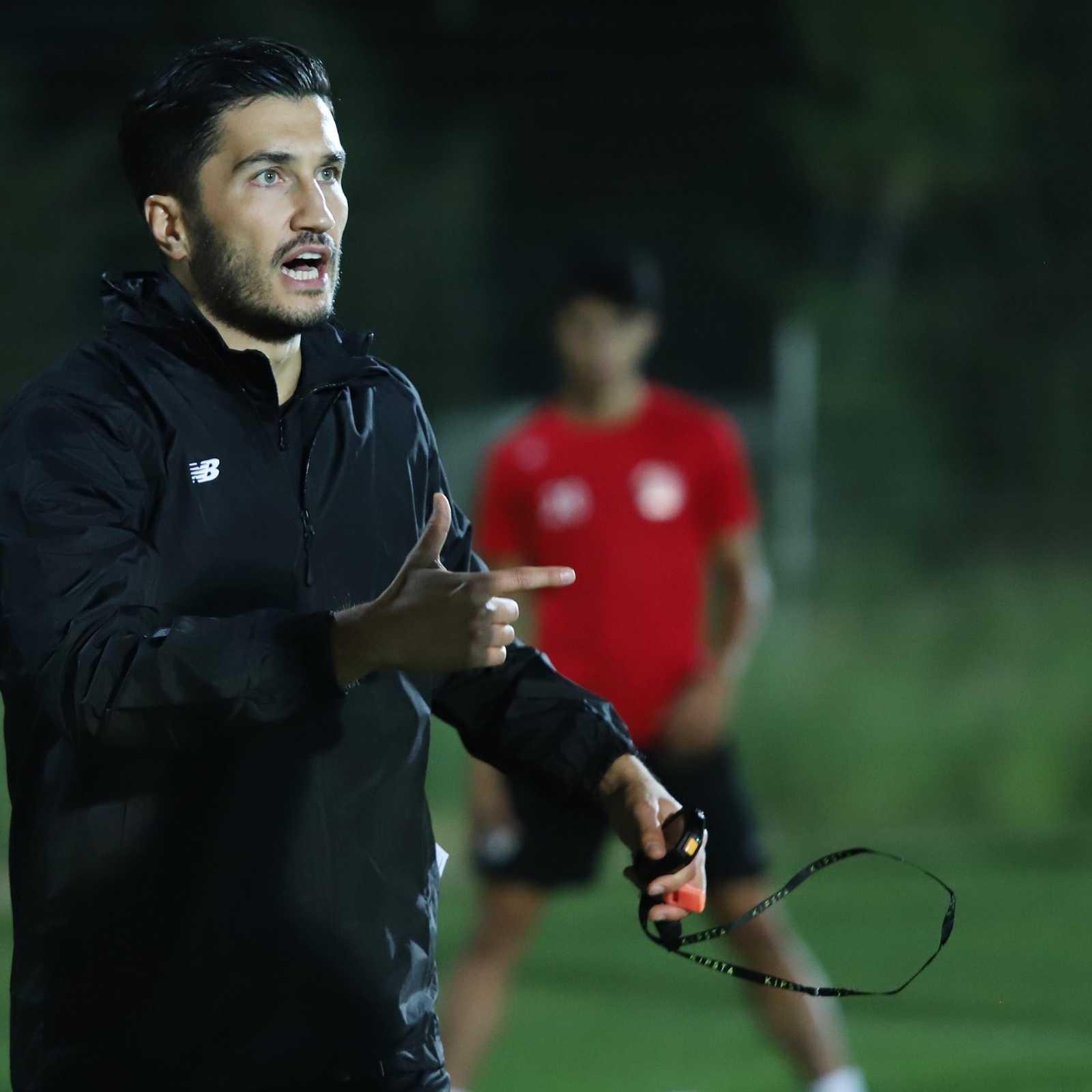 Nuri Şahin Antalyaspor'da ilk antrenmanını gerçekleştirdi