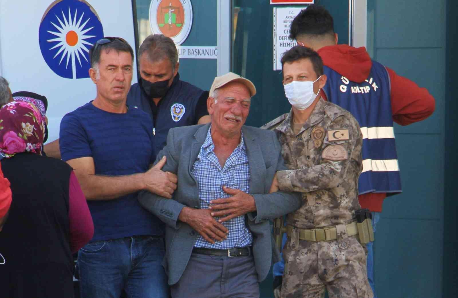 Özel harekat polisinin cenazesi anne ve babası tarafından morgdan alındı