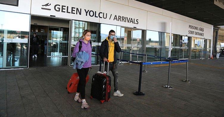 Rus tatilciler, tatil için en çok tercih ettikleri Türkiye'ye yönelik uçuşların kısıtlanması nedeniyle tepki gösterdiler