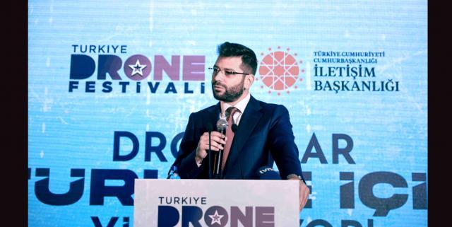 Türkiye Drone Festivali'nde Dronelar TürkiyeYi tanıtmak için yükseliyor